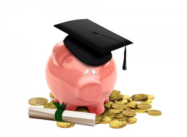 ahorrar para invertir en un viaje como universitario