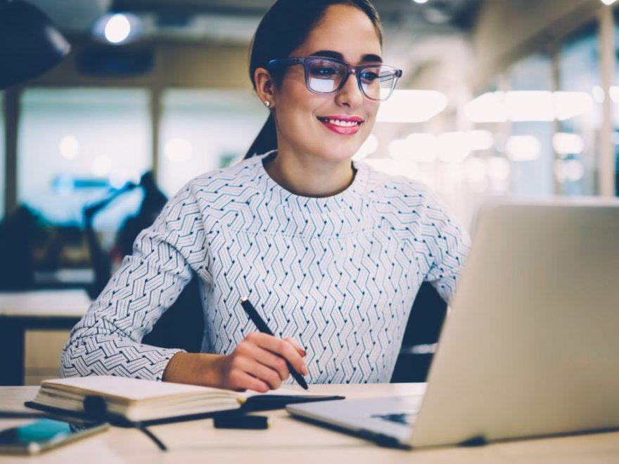 Logra el éxito en tus clases universitarias online