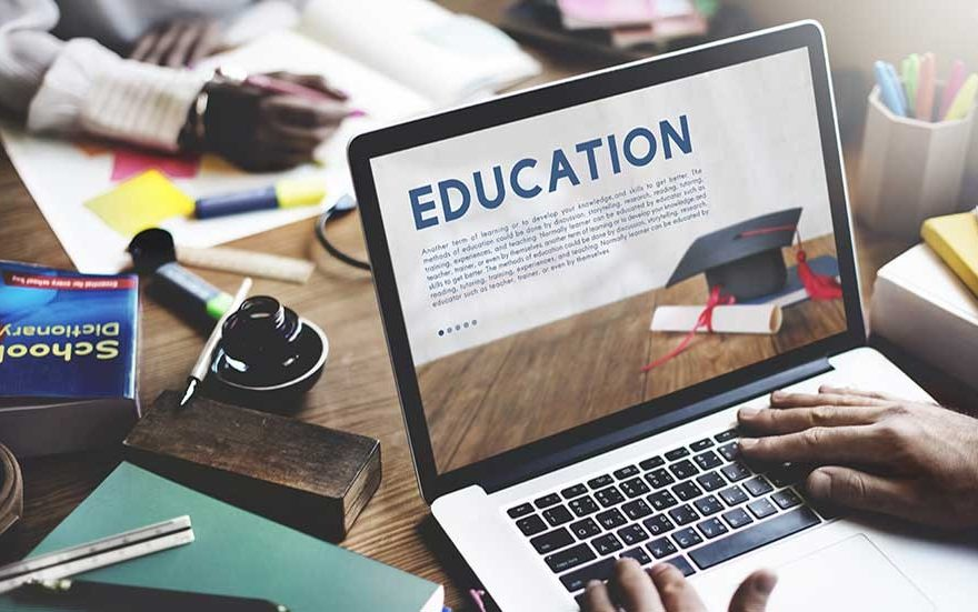 Inscríbete en la universidad en línea