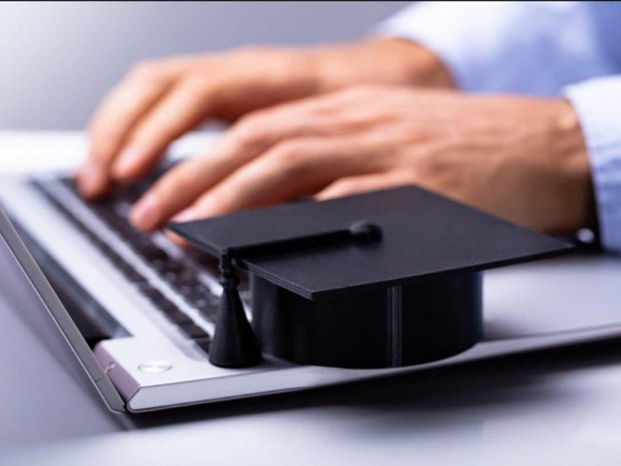5 factores para elegir una maestría en línea